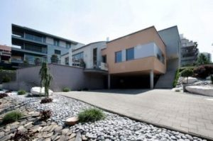 Как иностранцу купить недвижимость в Словакии